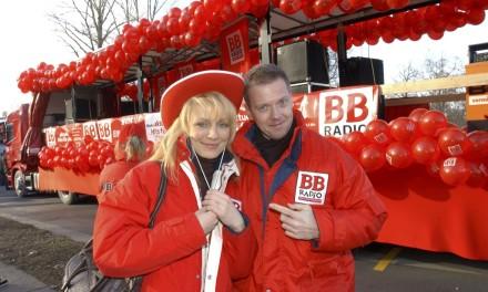 Die BB RADIO-Morgenmacher beim Cottbuser Karnevalsumzug